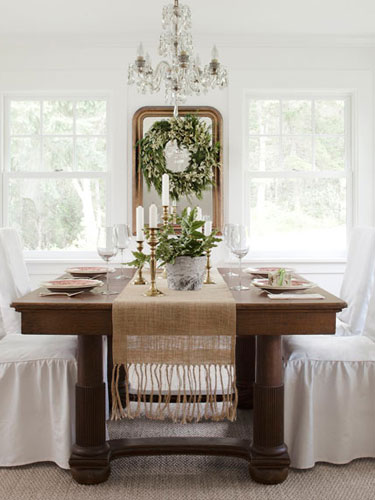 Country-Farmhouse-DIY-white-and-green-dining-room-0112-cT4fv2-lgn